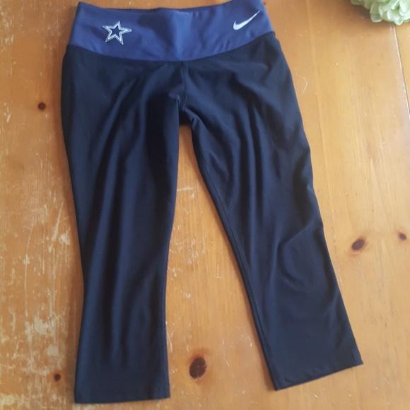 a74c1226737 Nike Dallas cowboys Capri leggings EUC. M_5bd9d34203087cf92f28bc45
